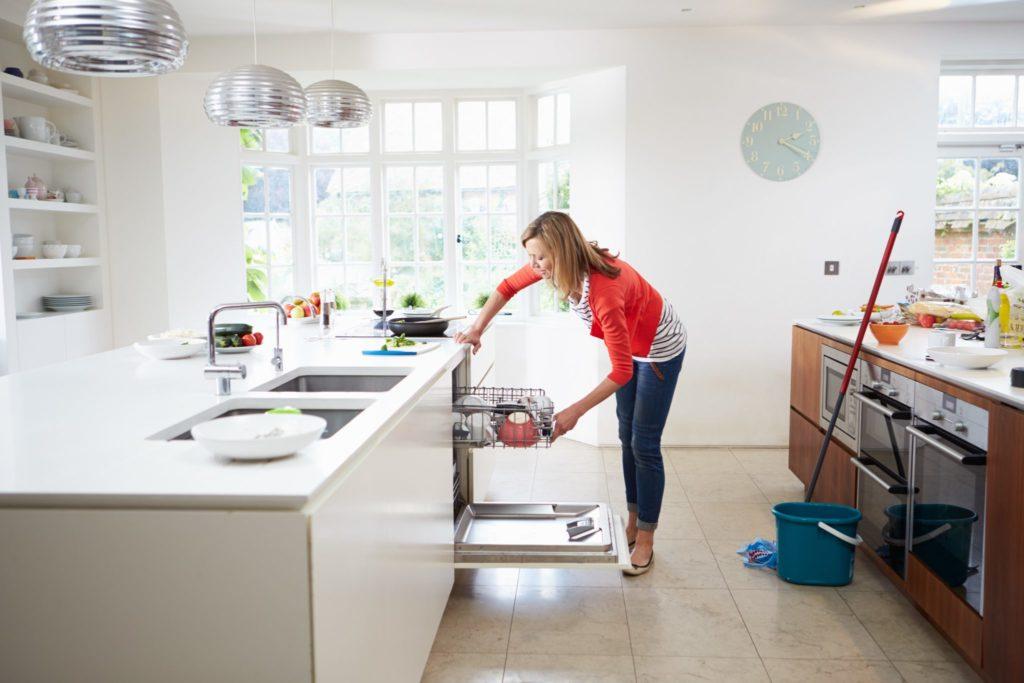 https://www.clarkeclean.com.au/wp-content/uploads/2020/05/Kitchen-Cleaning-Ballarat.jpg